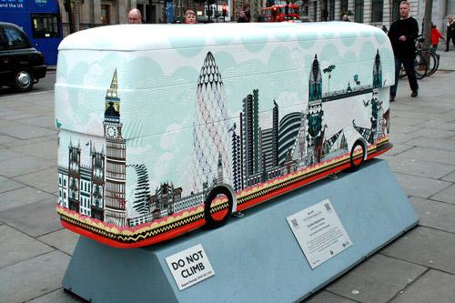 Sculpture trails: ロンドン・バス