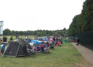 テニスのウィンブルドン選手権当日券待ちの列に並んでみた