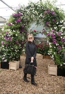 Sienna Miller at the RHS Chelsea Flower Show 2009