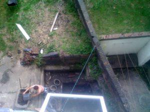 自宅の庭で不発弾が見つかった