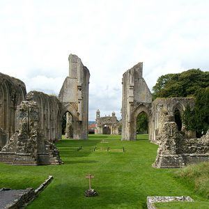 glastonbury abbey king arthur's tomb